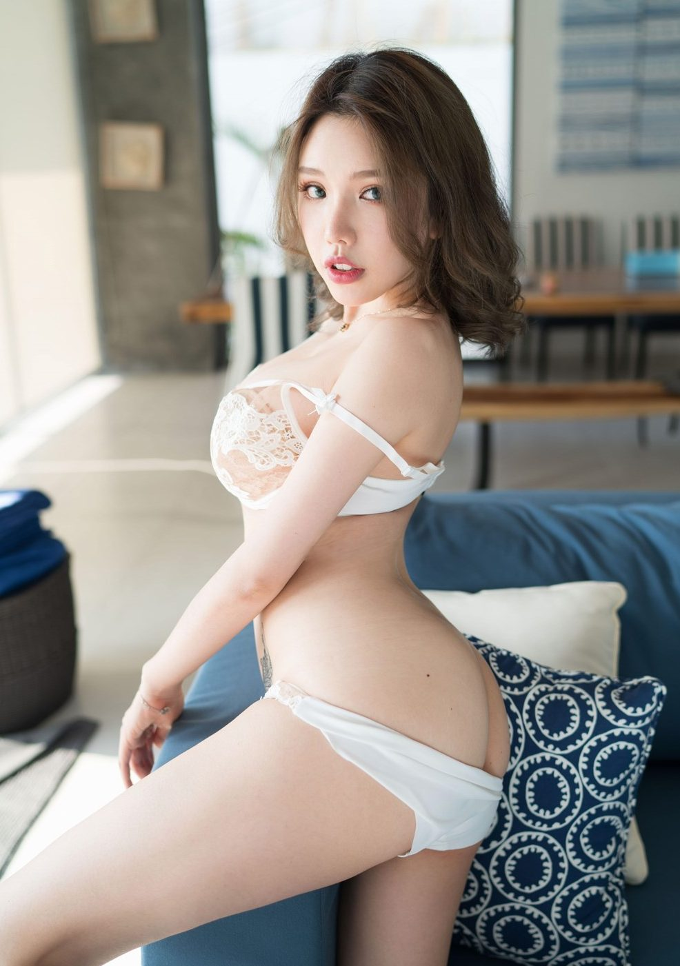 huang le ran dry humps her pillow very hot pictures